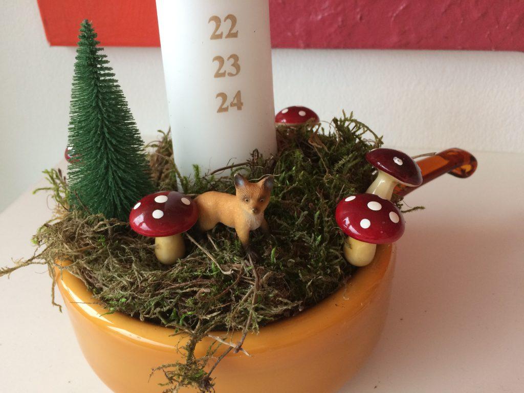 juledekoration med plastikdyr finurligefund