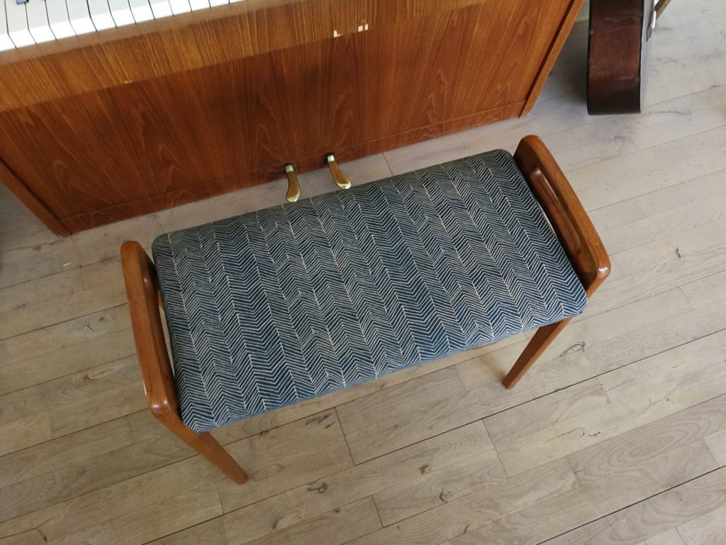Nyt betræk på gamle møbler klaverbænk ompolstring diy